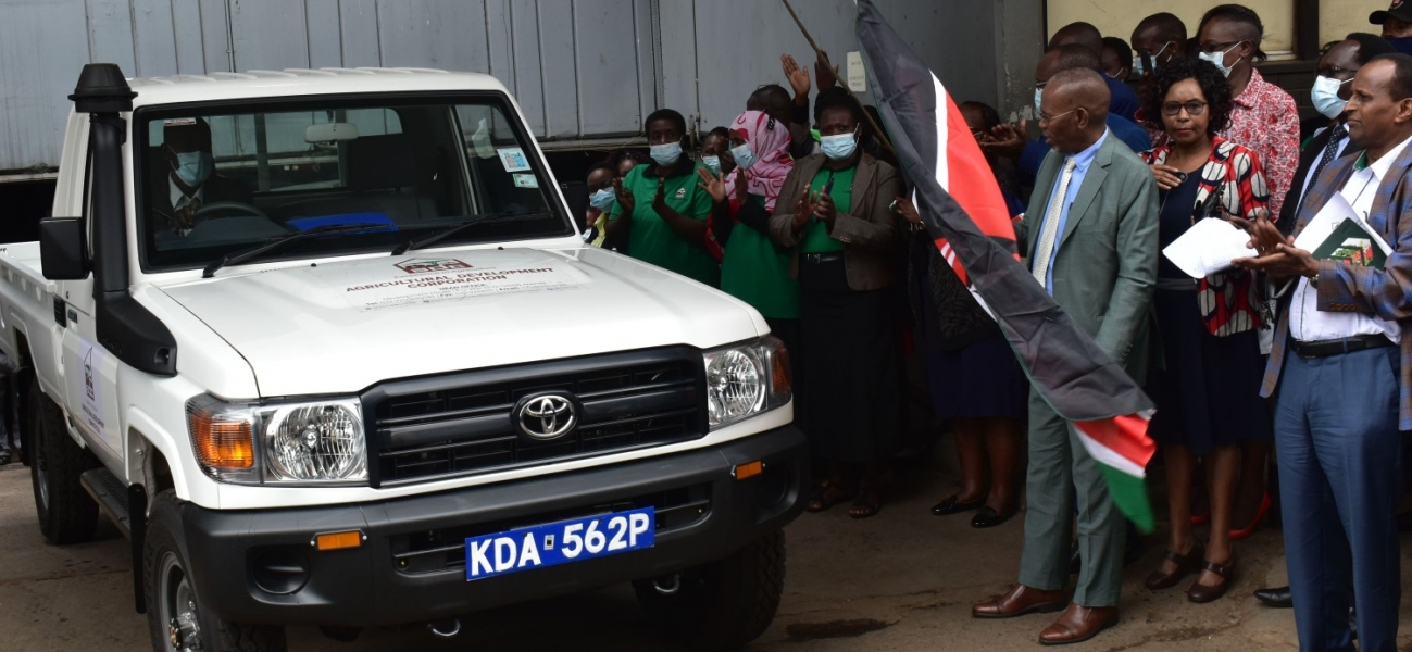 ADC Managing Director Mr. Mohamed Bulle, flags off a fleet of Landcruisers at ADC Headquarters. The vehicles will be used to enhance operations in ADC farms country wide.